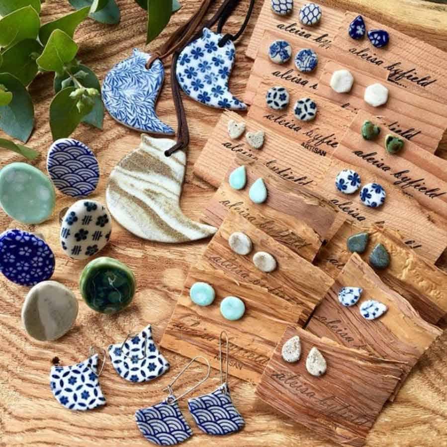 Ceramic jewellery by Aleisa Byfield Artisan