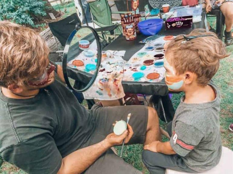 face painting at the bunya festival