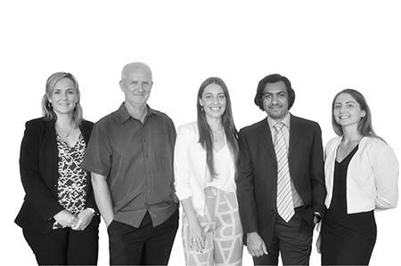 Black and White AUZi Insurance corporate team photo